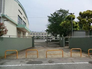 足立区立 竹の塚小学校の画像1