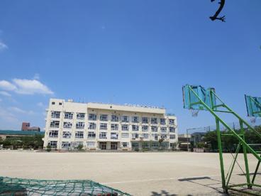 足立区立 栗島中学校の画像4