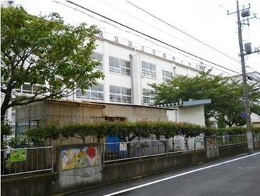 足立区立 花畑西小学校の画像2