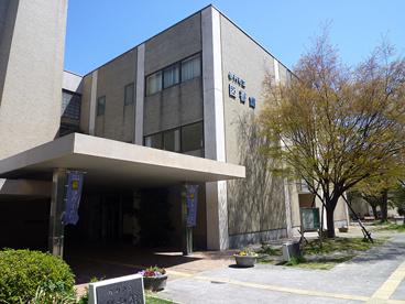 伊丹市立図書館の画像1