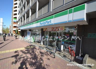 ファミリーマート 上落合二丁目店の画像1