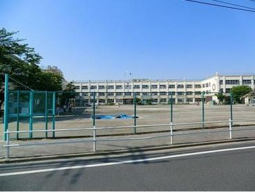 足立区立 伊興小学校の画像1