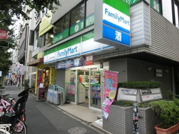 ファミリーマート東高円寺駅前店の画像1