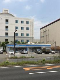 ローソン 港北大豆戸町店の画像1