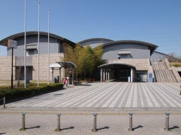 八尾市立総合体育館の画像1