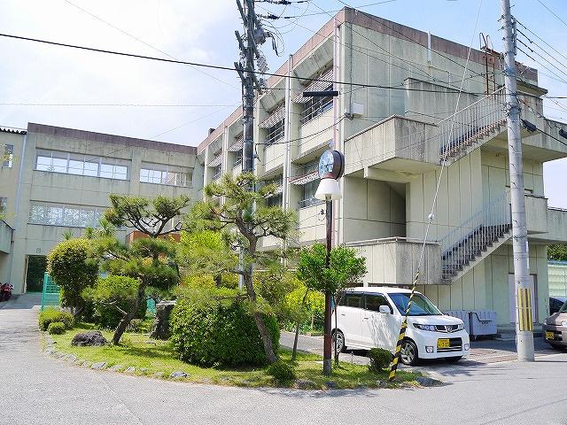 奈良市立東市小学校の画像