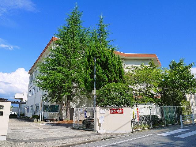 奈良市立鳥見小学校の画像