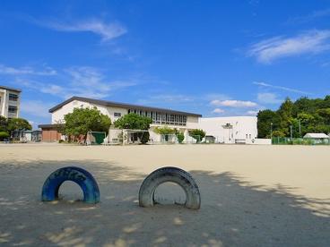 奈良市立登美ヶ丘小学校の画像5