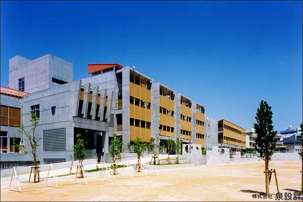 那覇市立 さつき小学校の画像