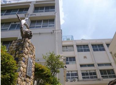 忍岡小学校の画像1