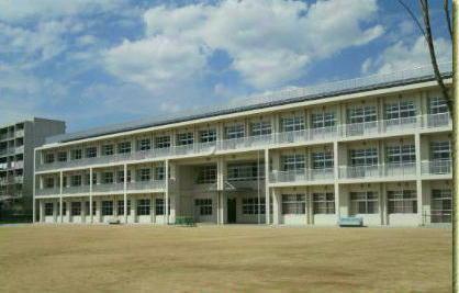 尼崎市立 上坂部小学校の画像1