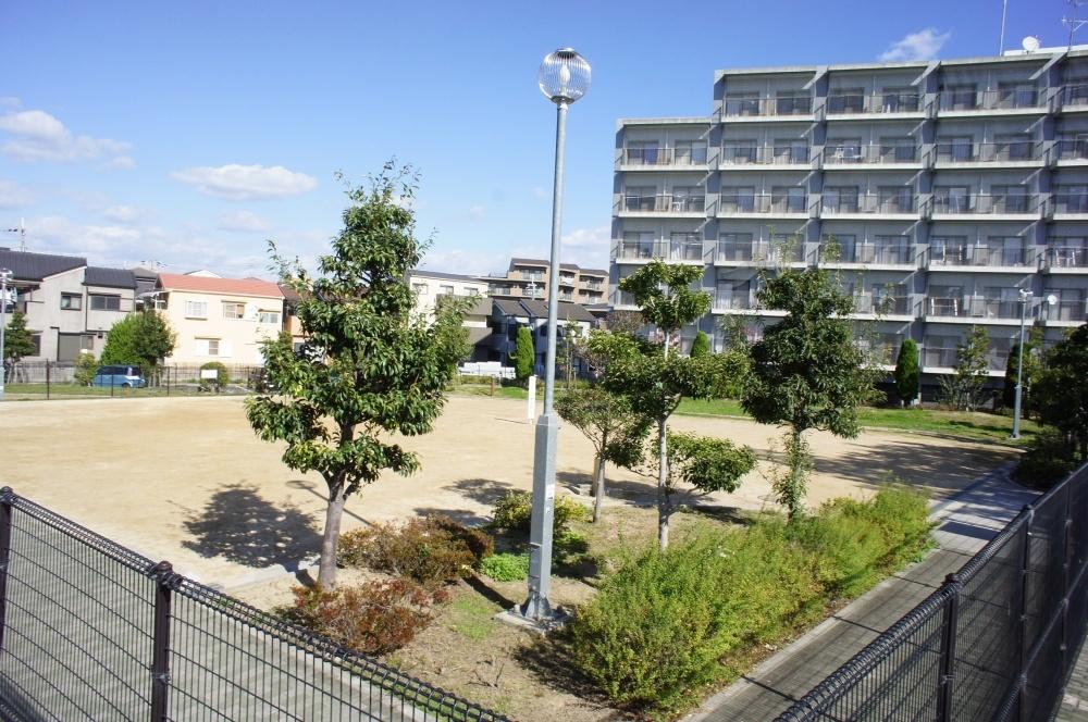 千里園ポンプ場敷地内広場の画像