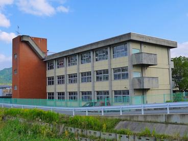 天理市立丹波市小学校の画像2