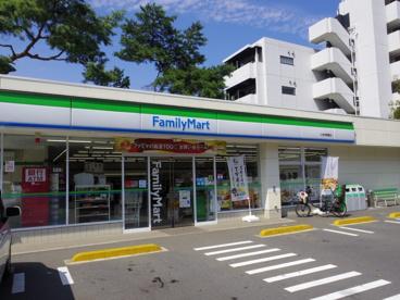 ファミリーマート 大泉学園橋店の画像1