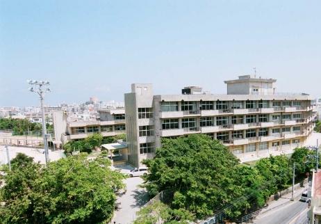 那覇市立小禄中学校の画像