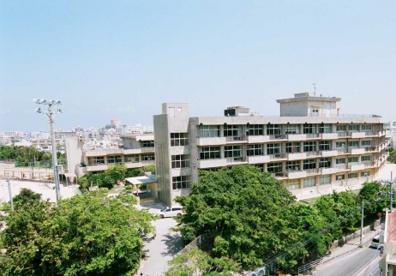 那覇市立小禄中学校の画像1
