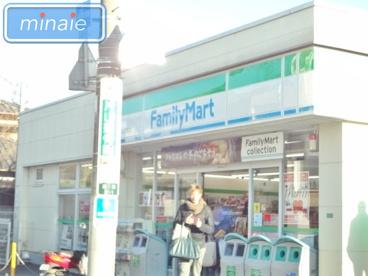 ファミリーマート船橋法典駅前店の画像1