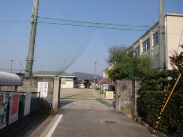 京都市立 上賀茂小学校の画像2