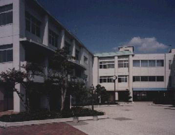 大阪市立 松虫中学校の画像1