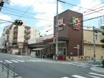 デイリーカナート・イズミヤ 昭和町店