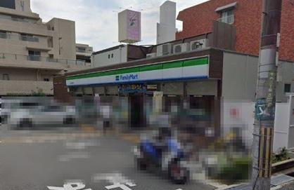 ファミリーマート緑地公園西店の画像1