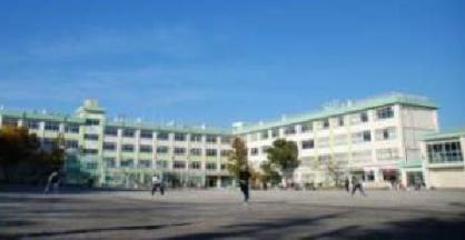 篠崎中学校の画像1