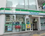 ファミリーマート西天満東店