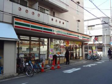 セブンーイレブン大阪日本橋1丁目店の画像1