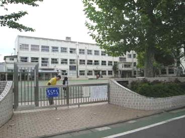 下小岩小学校の画像1