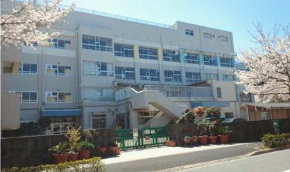 新堀小学校の画像1