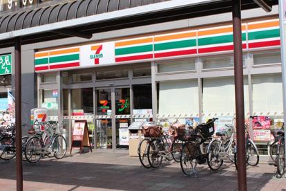 セブンイレブン 松戸五香駅西口店の画像1