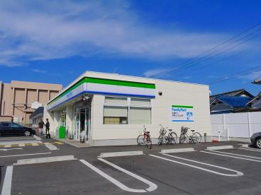 ファミリーマート 天理川原城町店の画像3