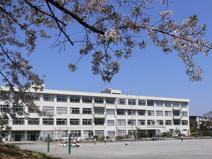 松が谷小学校