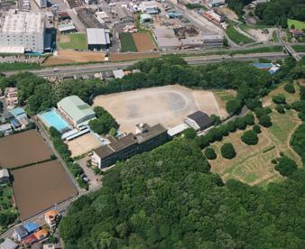 ひよどり山中学校の画像3