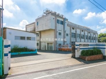 由井中学校の画像1