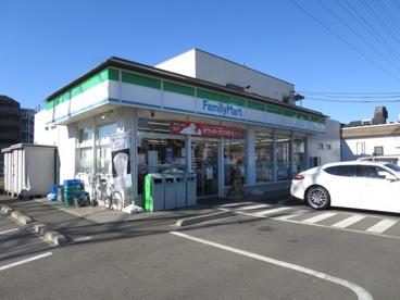 ファミリーマート東千葉二丁目店の画像1