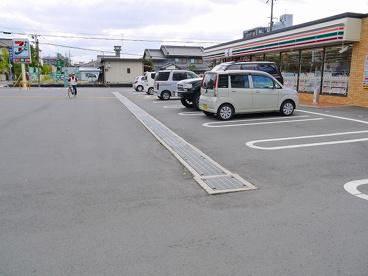 セブンイレブン 天理田井庄町店の画像5