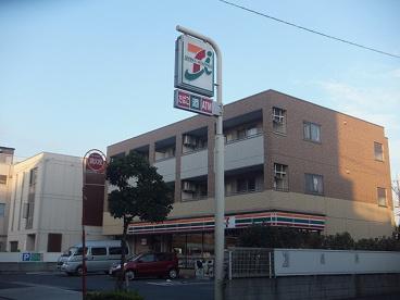 セブンイレブン足立綾瀬6丁目店の画像1