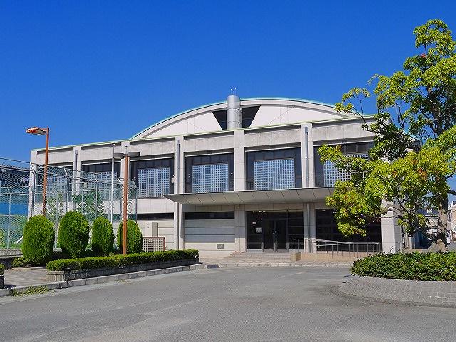 天理よろづ相談所 健康保険組合体育館の画像