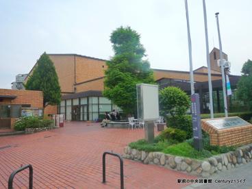 宝塚市立中央図書館の画像1