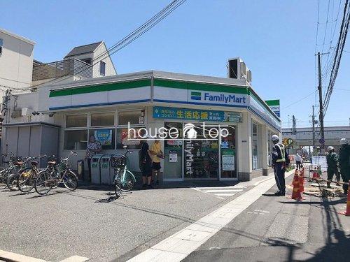 ファミリーマート西宮里中町店の画像