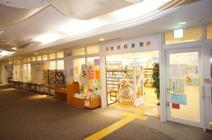 蛍池図書館