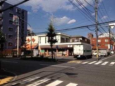 セブンイレブン足立東綾瀬店の画像1