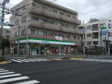 ファミリーマート大庄西店の画像1