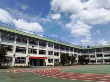 北区立 柳田小学校の画像1
