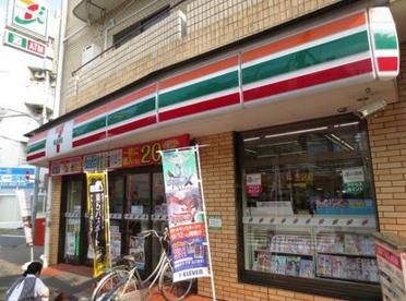 セブンイレブン北区王子本町1丁目店の画像1