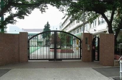 北区立 としま若葉小学校の画像1