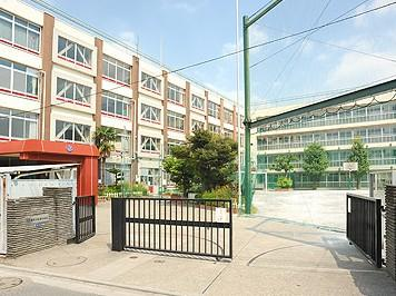 滝野川紅葉中学校の画像1