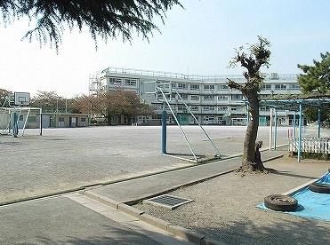 北区立 梅木小学校の画像1