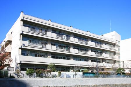 横浜市立平沼小学校の画像